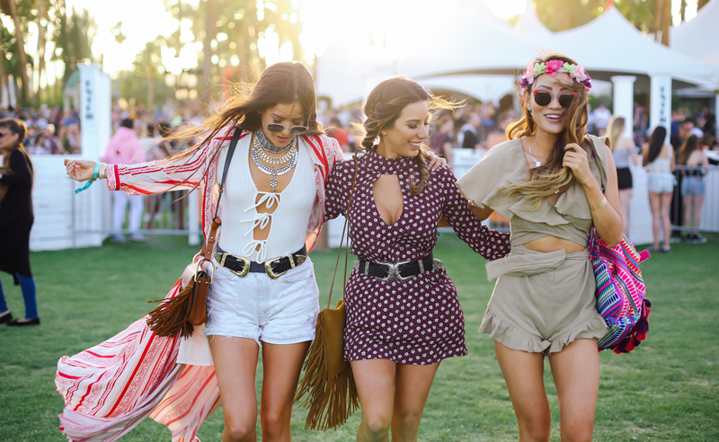 If you're going to the biggest music festival of the year, you'll want to see these amazing outfit ideas for Coachella, so you'll know what to wear!