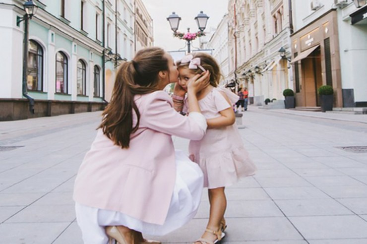 If you grew up in Alpharetta, then chances are that your mom is guilty of at least one of these things. These are signs that you have a helicopter mom!