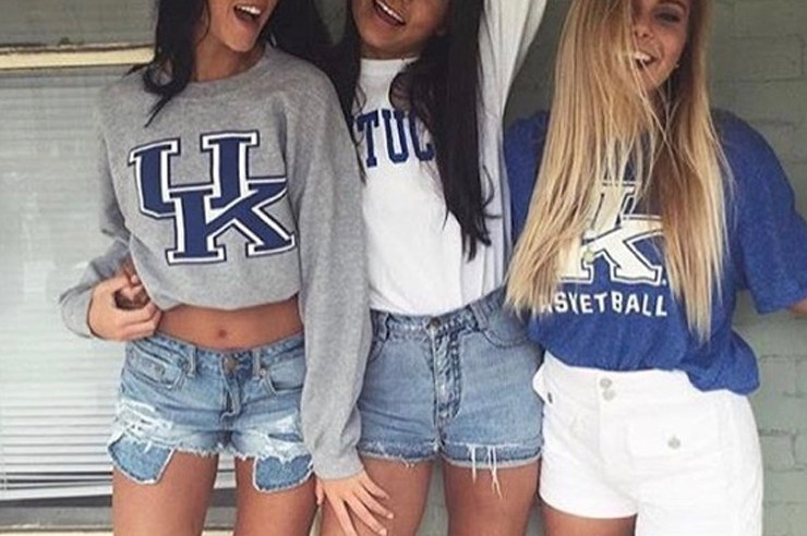 Wildcat saturdays are the best days to show off your caturday outfits at the University of Kentucky. These are some adorable gameday outfits at UK!