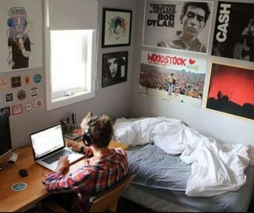 These are the best guys dorm room decor!