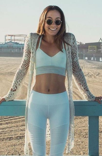 These white leggings are great for gym outfits!