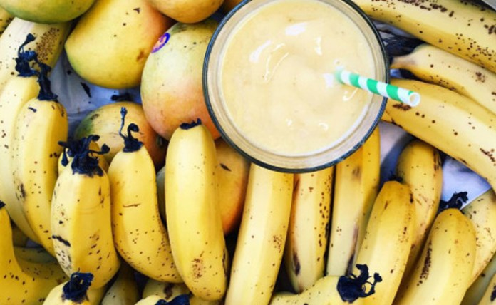 Whether you need to make a smoothie or some delicious banana bread, follow these 5 easy tips on how to ripen your bananas in a hurry!