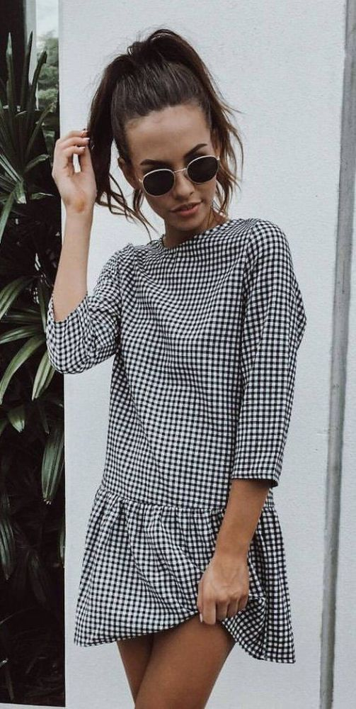 You'll definitely want to copy this fun and flirty gingham outfit!