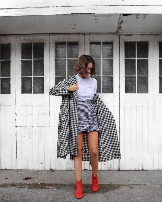 You'll definitely want to copy this bold gingham outfit!
