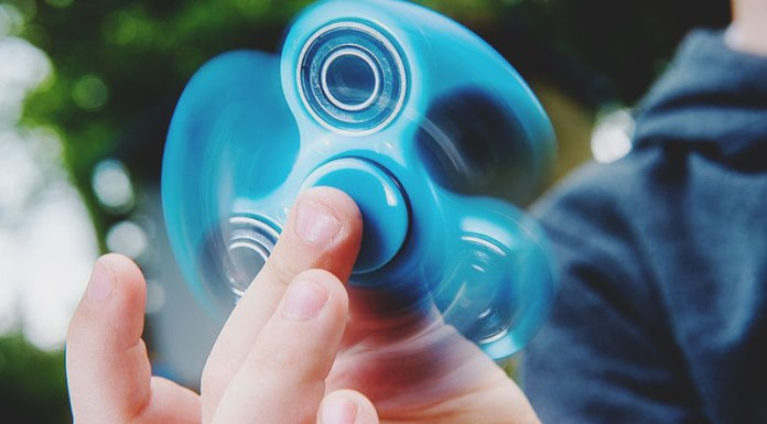 Fidget Spinners. Have you heard of them? It is one of the most ridiculous trends that has made its way to students ranging from middle school to college.