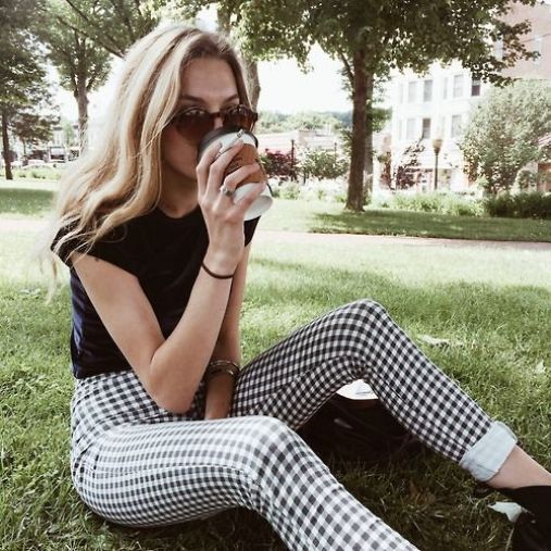 You'll definitely want to copy this modern gingham outfit!