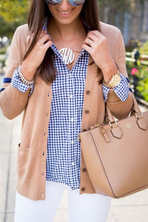 You'll definitely want to copy this preppy gingham outfit!