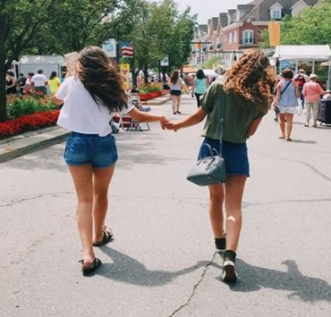 Finding fun things to do on a budget is always the struggle of a broke college student. These are 10 fun and free things to do around UNC Chapel Hill!