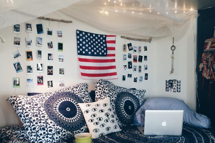 If you are looking for some serious dorm room inspiration, check out these 30 amazing Syracuse dorm rooms! From boho to bright, these are the cutest dorms!