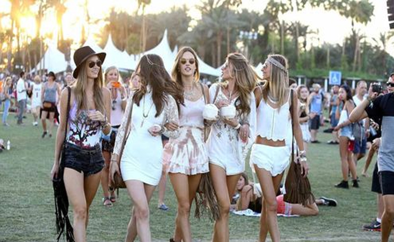 Music fan? Here are ten music festivals coming up the next few months that are a must! Get your tickets and festival outfits ready!