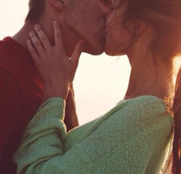 Whether you have been in bad relationships or want to know if this is the real deal, here are 15 signs you're in a very healthy relationship!