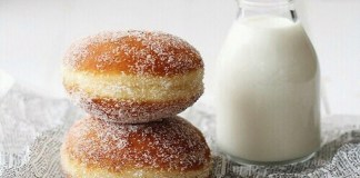 Fireball donuts are the perfect fall treat. Who doesn't love fireball and donuts? Here is the run down on how to make your own fireball donuts at school.