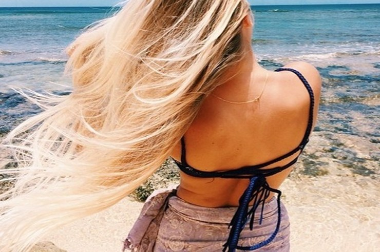You've probably heard of white girl extensions. Here is the 411 on hair extensions for white girls. Extensions for white girls vary so pay close attention!