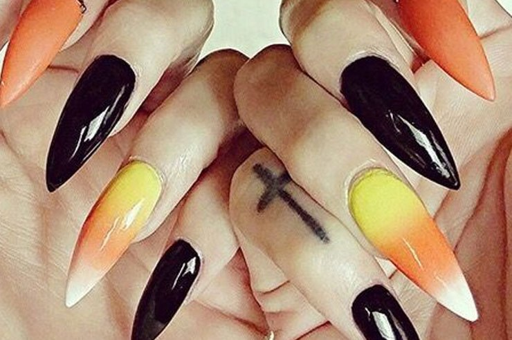 Looking for a new way to get into the Halloween spirit? Check out these super cute Halloween nail art designs from Pinterest for some inspiration!
