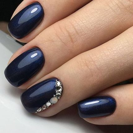 Blue wedding nails!