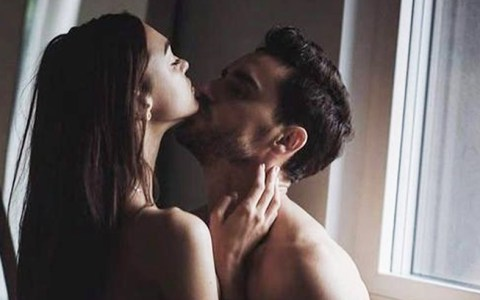 Your college sex life can be as amazing or as awful as you make it. Here are 15 sex advice tips all college guys need to learn for the best sex!