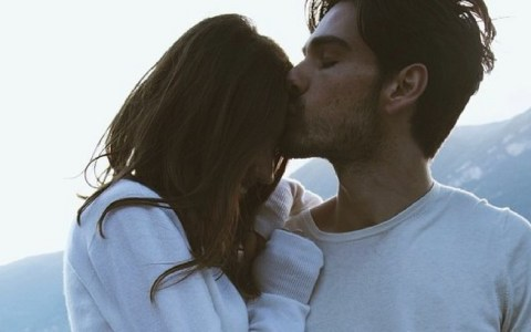 10 things you should know before dating a guy with a beard
