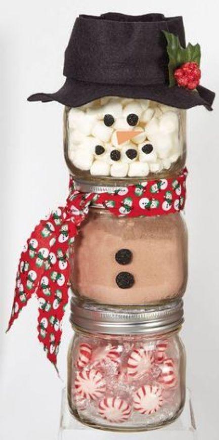 Cute Christmas mason jar gift ideas!