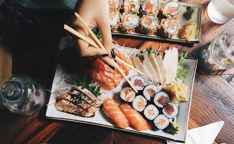 Here's all the sushi gifts for sushi lovers out there that just can't get enough! From sushi making gift sets to tshirts, we have the best sushi gift ideas!