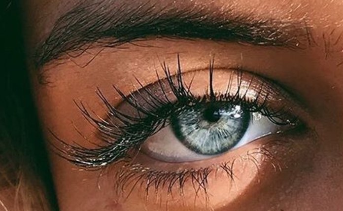 Finding the best eyelash growth serum out there can be tough. However, these lengthener serums have the best reviews to make that lash grow rapidly!