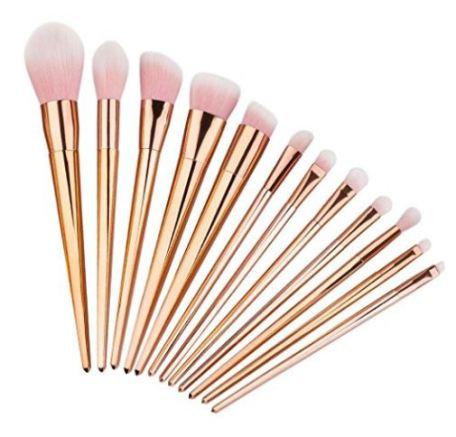 Cute makeup brushes!