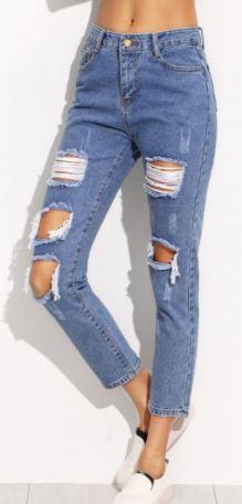 Le pull oversize 15 looks cozy à copier - jeans déchiré