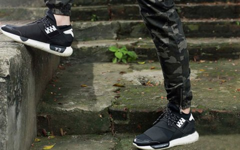 Good quality and affordable sneakers are a must, and every guy needs at least a few in his closet. Keep reading to find the 10 types of sneakers you need!