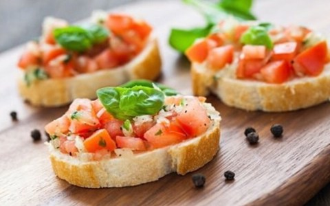 Cheap healthy snacks are becoming easier to find. Here is a list of healthy snacks to swap out for your junk food. Here are the best healthy snacks