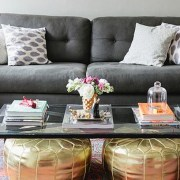 If you're looking for some college apartment decorating ideas, then these photos showcase the best decor for a college student's first apartment! Spice up your living room, bedroom, or even dorm room with these cute designs!