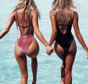 With warm weather arriving, everyone needs the perfect bikini, one piece or high waisted suit! Here are 6 must have bathing suit styles for spring break!