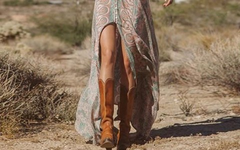 These are such cute dresses to wear with cowboy boots. Go for a feminine country look this spring break.These dresses will go with your cowboy boots and you'll want to wear these outfits all summer long.