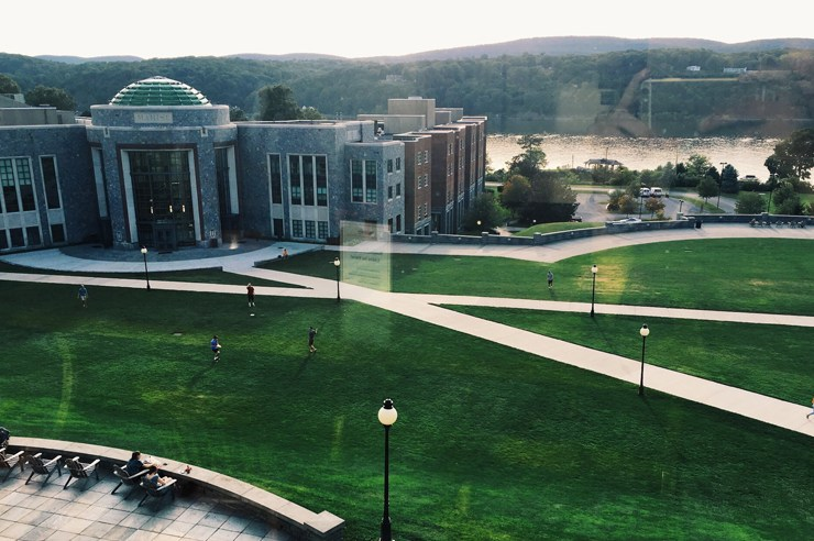Before you pack your bags and head to Marist college as a freshman or transfer student, this is what you need to know about the school before making a commitment!