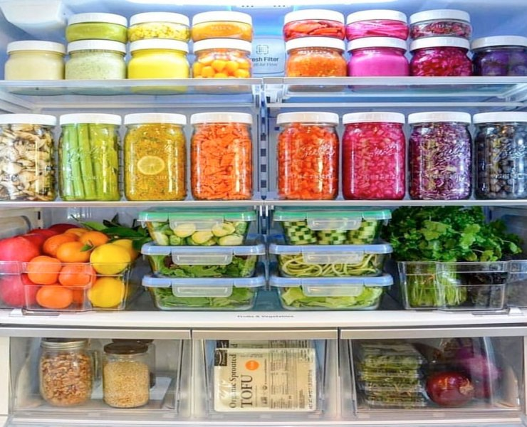 When you are feeling lazy or organic food doesn't fit your budget, look to these. I LOVE a good farmers market and fresh veggies, however,studies suggest frozen veggies have just as many nutrients as their fresh counterparts. Here are 10 healthy frozen foods you should always have in your freezer.