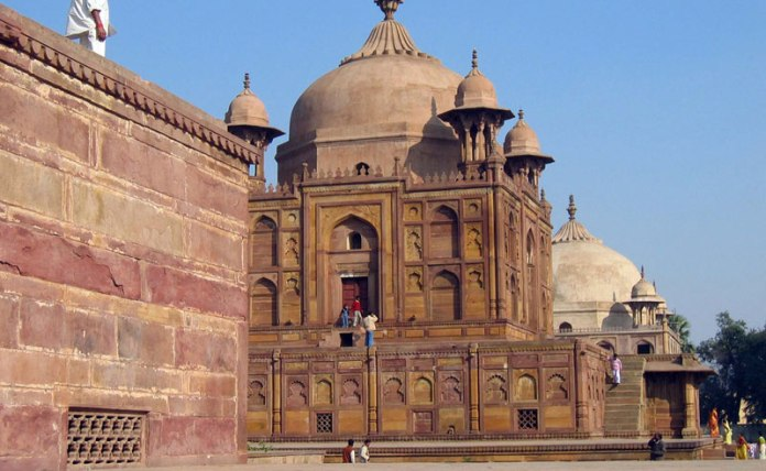 Allahabad Uttar Pradesh in India is a very traditional and conservative place. Here are things you will only understand if you grew up in or live in Allahabad Uttar Pradesh!