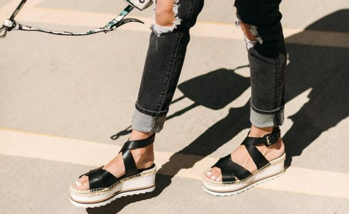 a67f335a628242 These Cute Platform Sandals Will Complete Your Summer Wardrobe ...