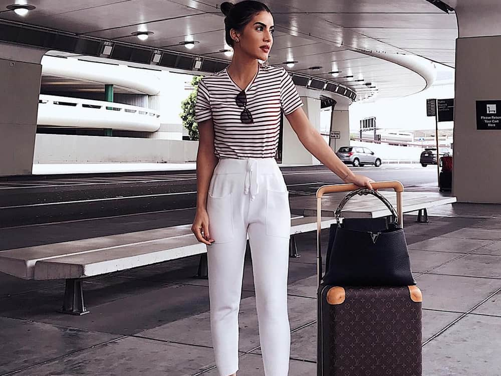 15 Cute Airport Outfits That Are Comfy And Chic