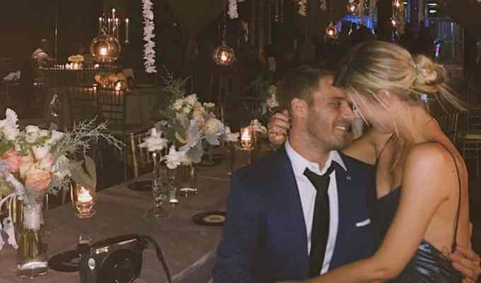 There are plenty of celebrity couples who are giving us hope even after the devastating breakup between Channing and Jenna that we never saw coming. Here are 10 new celebrity couples that are still giving us hope that love is alive!
