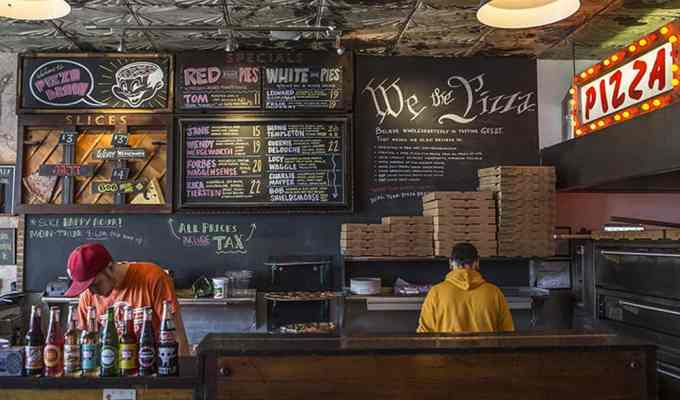 If you live in Philly and you need a good slice of pizza, check out these pizza shops for a slice of Philadelphia-made goodness. Below is your guide to finding some of the best pizza in Philly!