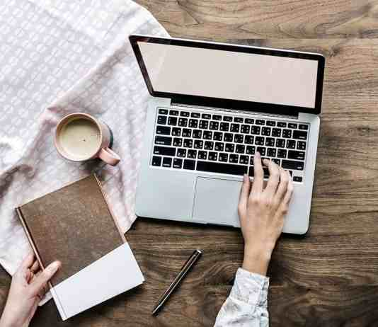 So you're finally thinking about starting your own blog! You've been inspired by all these other bloggers living a dreamy lifestyle that clog up your newsfeed. Well,here are ten tips for starting your own blog!