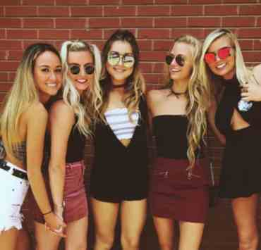 """Here are just a few of us lady gamecock's favorite outfits to strut our """"cockiness"""" around in that go way beyond the tradition black dress and cowboy boots. Below you'll find 10gameday outfits at the University of South Carolina!"""