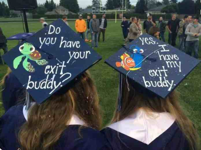 b643ba33e0a 20 Graduation Cap Ideas From Across The Country That Are Amazing ...