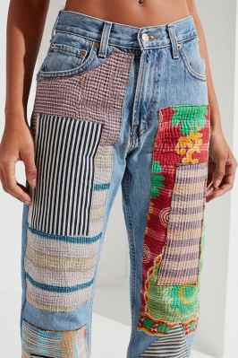 Here are 15 hippie outfits you NEED to copy! We are obsessed with these patchty pants!