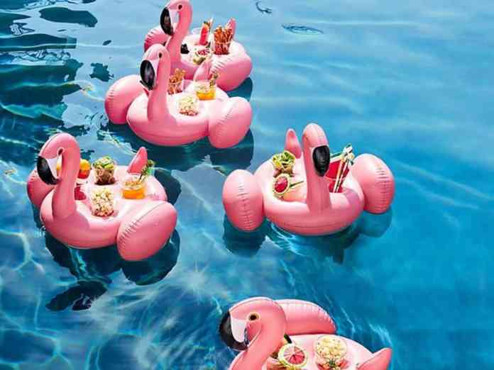 Check out these summer 2018 drink floats that will be the life of the party! These inflatable cup holders are the 2018 pool floats you need right now.