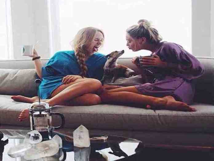 If you're getting ready to move into your dorm or apartment with new roommates, here are tips so you have a healthy roommate relationship!
