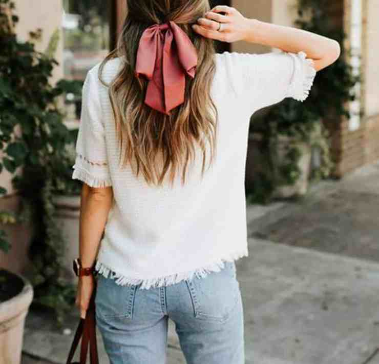 Here are some ways to make jeans work in the summer. We've picked out some really great outfits for you that you can wear all summer long!