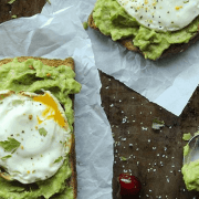 Fuel yourself for the rest of the day with some hearty, healthy breakfasts! Read this article for cheap and easy recipes to make!