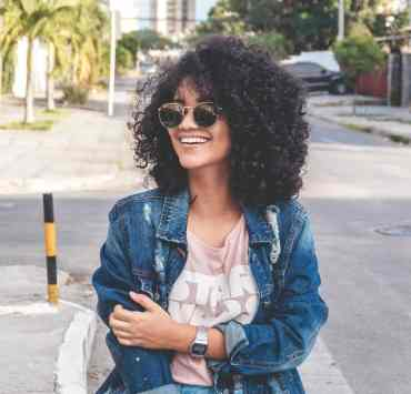 Seeing dried out, lifeless curly hair? We've got the tips and product recommendations for how to care for curls.