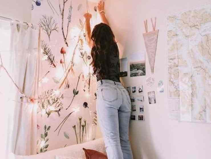 Are you heading back to college this Fall 2018? Dorm wall decor can really add something special to your space, whether you choose macrame or string lights.