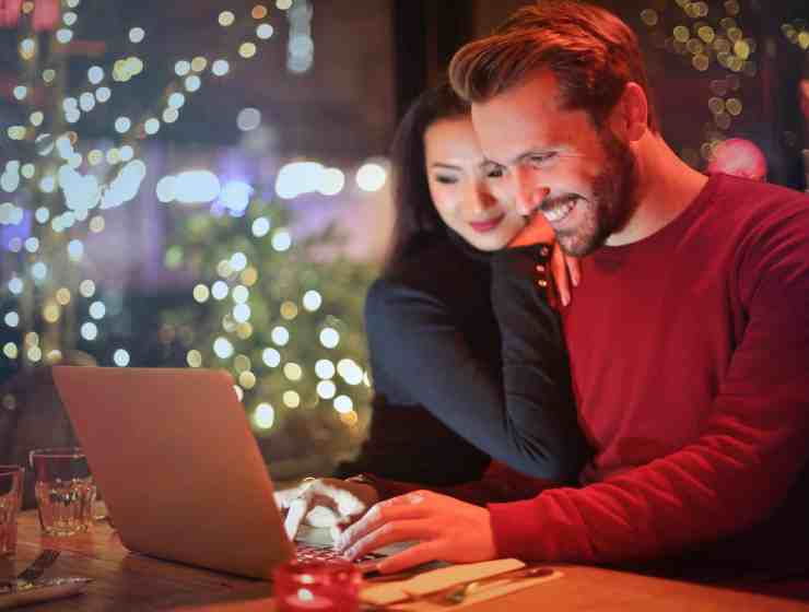When you introduce your boyfriend to the family, it can be is a daunting task. It's definitely scary, but there are some easy ways to get the job done!
