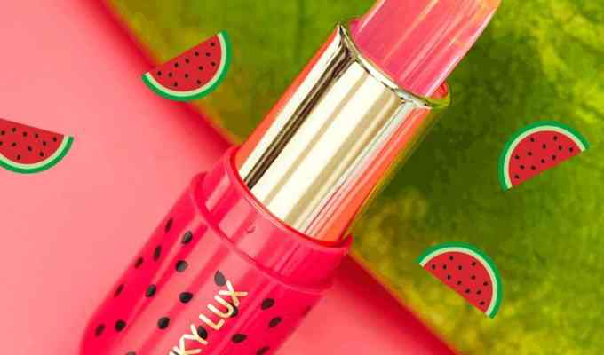 This summer lip balm from Winky Lux is perfect for conditioning your lips and is super moisturizing! It won't dry your lips out and is tinted too!
